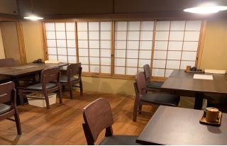 在神保町白山通商店开设了二楼的座位。